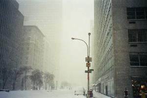 Vor einiger Zeit geriet ich in New York in einen Blizzard - vieles sieht man im Auge des Orkans klarer als sonst. Foto: Lothar Lochmaier
